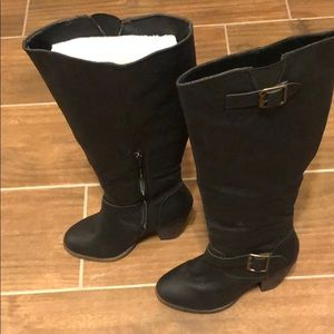 Knee length cowgirl boots. Size 7